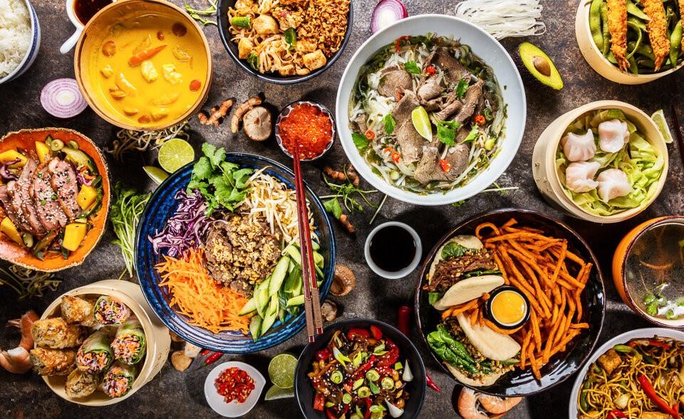 DIFFERENT FOOD AROUND THE WORLD